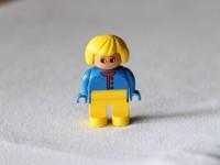 Блондинка в жакете